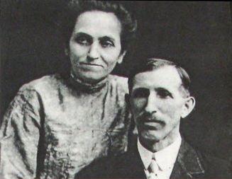 پدر و مادر دیزنی/ فلورا و الیاس دیزنی Walt's parents, Elias and Flora (Call) Disney